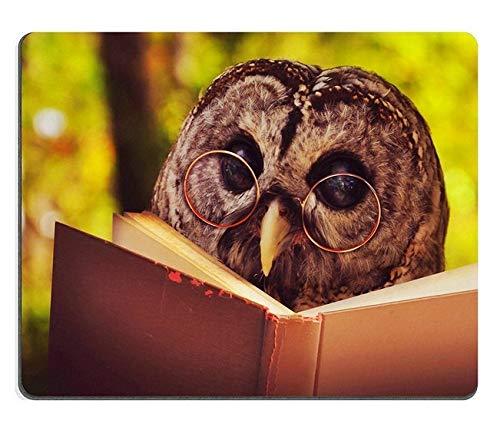 Naturalna gumowa podkładka pod mysz Sowa zwierzę z okularami czyta książkę w lesie do edukacji lub koncepcji szkoły33