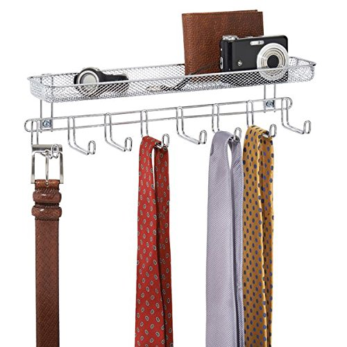 mDesign Garderobenleiste mit Ablage - 8 Garderobenhaken für Schmuckaufbewahrung, Krawattenhalter & Gürtelhalter - Aufbewahrungskorb für Portemonnaie, Schlüssel & Co. - Silberfarben
