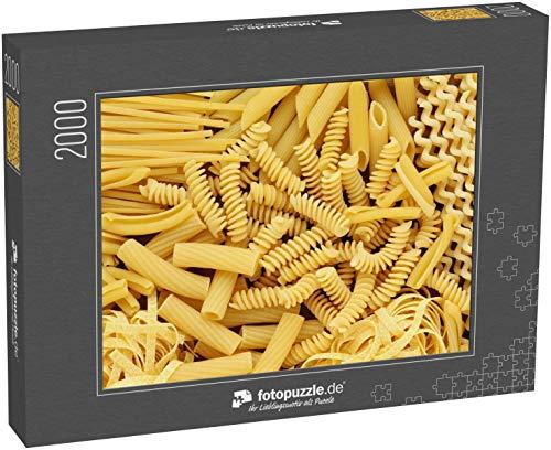 Puzzle 2000 Teile Vielfalt an Arten und Formen von trockenen italienischen Nudeln - Klassische Puzzle, 1000 / 200 / 2000 Teile, edle Motiv-Schachtel, Fotopuzzle-Kollektion 'Impossible Puzzle'