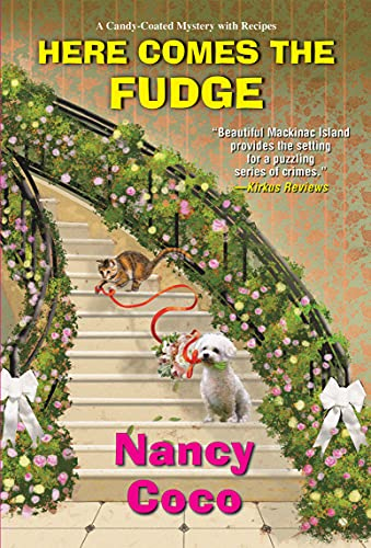 Here Comes the Fudge (A Candy-Coated Mystery Book 9) by [Nancy Coco]