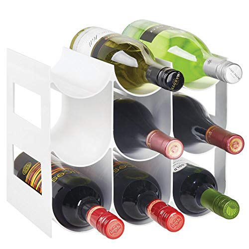 mDesign praktisches Wein- und Flaschenregal – Weinregal Kunststoff für bis zu 9 Flaschen – freistehendes Regal für Weinflaschen oder andere Getränke – weiß