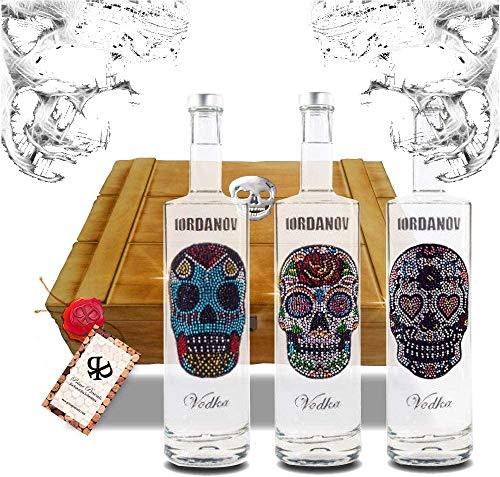 3er Geschenkset Vodka Iordanov (0.7 l) in der Vintage Holzkiste mit Original Chrome-Skull! Der Edel-Vodka zum Genießen und Verschenken!