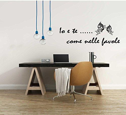 Adesivo Murale Io e Te come nelle favole farfalle fiori frasi d amore stickers murale decalcomanie citazioni (120x50 cm.) per decorazione casa Adesivo4You (Nero)