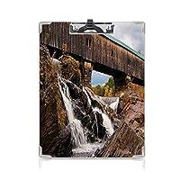 クリップボード 風景 プレゼントA4 バインダー 滝の滝に架かる古い素朴なオークカバードブリッジロックフォールシーズンアメリカンシティ 用箋挟 クロス貼 A4 短辺とじブラウン