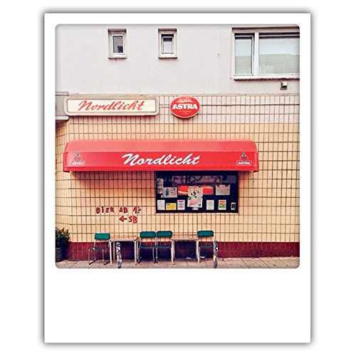 Pickmotion PolaCards Hamburg: Hochwertige Polaroid Postkarten im Retro Stil - Motiv: Nordlichtbierchen