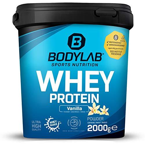 Whey Protein Vanille 2kg Bodylab24 Protein-Pulver / Protein-Shake für Kraftsport & Fitness / Whey-Pulver kann den Muskelaufbau unterstützen / Hochwertiges Eiweiss-Pulver mit 80% Eiweiß / Aspartamfrei