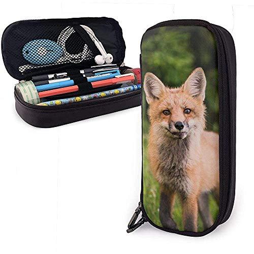 Fox Walking On The Grass Cute Pen Estuche para lápices Cuero Gran capacidad Cremalleras dobles Bolso para lápices Bolsa Estuche para lápices 20cm * 9cm * 4cm