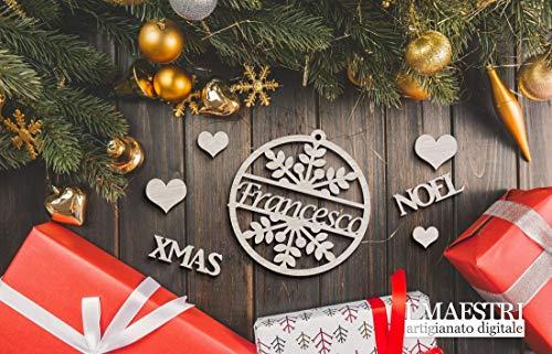 Decorazioni natalizie in legno per il tuo albero di natale. Perfetta come idea regalo personalizzata. Decorazione natalizia personalizzabile con nome - I Maestri - DECORO NOME V1