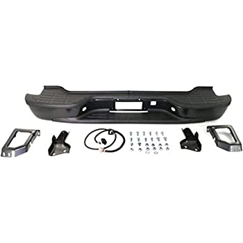 Amazon Com Step Bumper Compatible With 2000 2006 Chevrolet Tahoe Suburban 1500 Suburban 2500 Assembly Powdercoated Black Steel Automotive