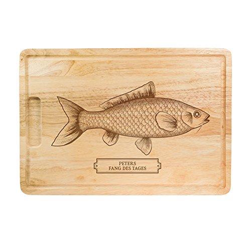 """Casa Vivente Schneidebrett aus Holz mit Gravur – """"Fang des Tages"""" – Personalisiert mit Namen – Motiv Fisch - Grillbrett, Holzbrett, Küchenbrett, Brotzeitbrett - Geschenkidee für Angler"""