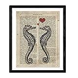 Nacnic Stampa Artistica Vintage, Collage Sfondo Vecchio Foglio di Giornale con su Scritta la Definizione di Amore in Lingua Spagnola, rappresentazione di Due cavallucci marini.