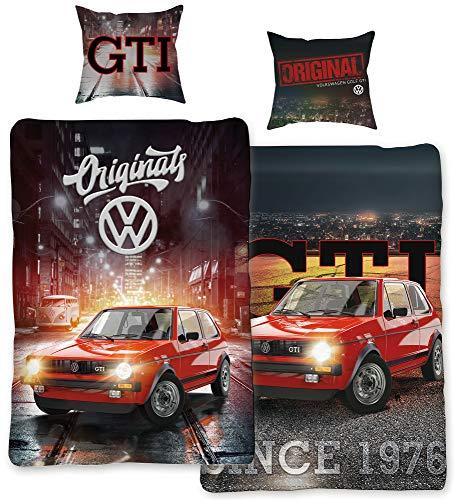 BERONAGE VW Volkswagen Golf Bettwäsche GTI Rot Grau 135 x 200 cm + 80 x 80 cm Oldtimer 100{b355cd3ede11458e6e019f885e08bb4d4c5ab21ed777440af0327c7060115c08} Baumwolle in Biber-Flanell-Qualität Race Wörthsee Auto-Car 2 Motive Wendebettwäsche Reißverschluss 088