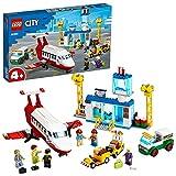 LEGO CityAirport AeroportoCentrale con Aereo Giocattolo, Camion del Carburante e Minifigura del Pilota, 60261