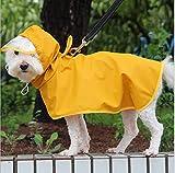Podazz Chubasquero para perros y mascotas, impermeable, con borde transparente, con agujero para el cuello y cuerda ajustable, apto para perros pequeños y medianos, color amarillo (mediano)