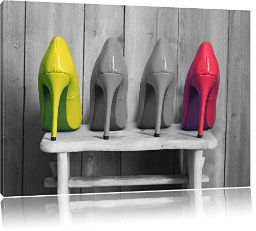 High Heels auf Hocker schwarz/weiß Format: 80x60 auf Leinwand, XXL riesige Bilder fertig gerahmt mit Keilrahmen, Kunstdruck auf Wandbild mit Rahmen, günstiger als Gemälde oder Ölbild, kein Poster oder Plakat