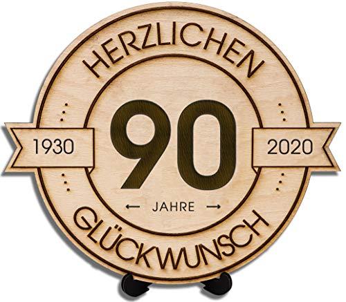 DARO Design - Holzscheibe graviert - 90 Jahre - Größe 20cm - Geschenk zum Jubiläum, Geburtstag, Jahrestag - Herzlichen Glückwunsch