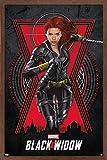 Trends International Marvel Cinematic Universe – Black Widow – Run Póster de pared, 56,8 x 86,3 cm, versión enmarcada en caoba