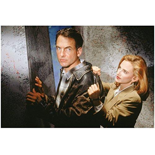 Reasonable Doubts (TV Series 1991 - 1993) 8 inch x 10 inch Mark Harmon Brown Leather Jacket w/Marlee Matlin Standing Behind Him in Tan Jacket kn