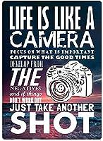 人生はカメラの壁のようなブリキのサイン金属ポスターレトロプラーク警告サインヴィンテージ鉄の絵画の装飾オフィスの寝室のリビングルームクラブのための面白い吊り工芸品