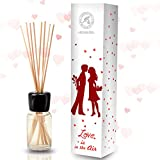 Difusor Aromas de Love Is In The Air 100ml - Fragancia para el Amor con Aceite Puro de Ylang Ylang Natural para Cuartos - Restaurantes - Aromaterapia - con 8 palitos de bambú - 0% Alcohol