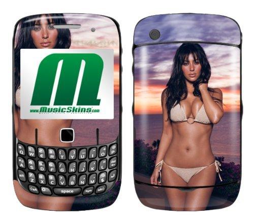 MusicSkins MS-KARD10044 Displayschutzfolie für BlackBerry Curve (8520/8530) Kim Kardashian, Bikini