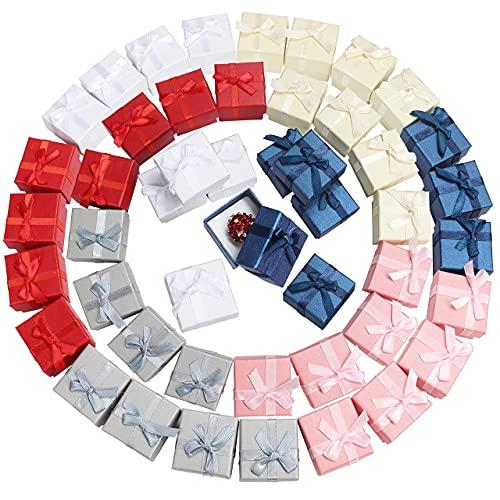 Kurtzy Schmuck Ring Geschenkbox mit Deckel (48er Pack) - 4,1 x 4,1 cm - Verschiedene Farben Karton Geschenkbox mit Schleife & Samt - Schmuck Box für Jubiläen, Hochzeiten & Geburtstage