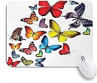 NIESIKKLAマウスパッド さまざまな蝶のロマンスの一体感喜びの野生の花木をハイキング ゲーミング オフィス最適 高級感 おしゃれ 防水 耐久性が良い 滑り止めゴム底 ゲーミングなど適用 用ノートブックコンピュータマウスマット
