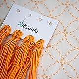 Sashiko | Kit de bordado Japonés | Tela de 68cm x 34cm pre-estampada (30cm x 30cm) | Hilo natural | Aguja larga | Instrucciones de bordado | Diseño Siete Tesoros | de Delicatela (Beige)