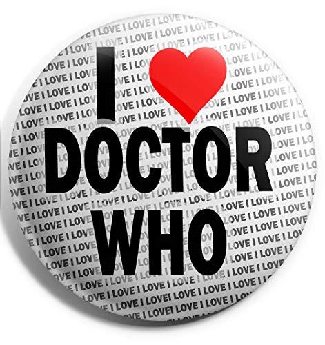 Spilla grande con scritta'I Love Doctor Who', 75 mm, regalo per compleanno, Natale, calza della Befana.