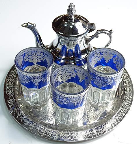 Kenta Artigiani Set da tè Marocchino, 3 Bicchieri Arabi Mini, Teiera Metallica + Un Vassoio in Rilievo 25 cm d dmtr.