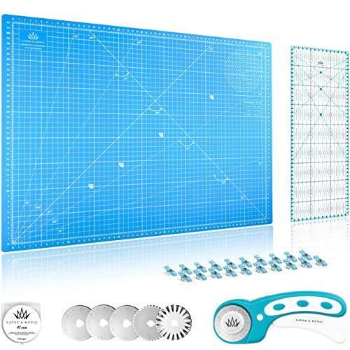 Lange & König Rollschneider Set in 3 Größen [A1, A2, A3] und 5 Farben Inkl. Schneidematte, Rollschneider, 5 Ersatzklingen, Patchwork-Lineal + 20 Stoffklammern als Nähzubehör (Blau, A2 Set)