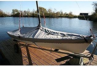 Weight 5Kg coverandcarry Complete With Straps Clips And Storage Bag Speedboats 16-18 Long With A 95 Beam Green Heavy Duty Polyester Backed Waterproof Speedboat Boat Cover