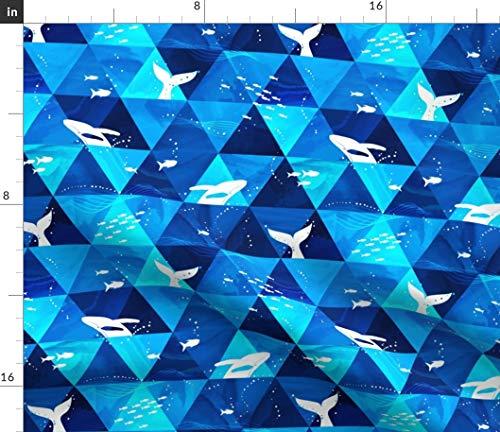 Spoonflower Stoff – Blauwale Ozeane Dreiecke Strand Geometrisch gedruckt auf Satin Stoff Meterware Nähen Futter Bekleidung Mode Decken Dekor