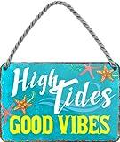 Targa in metallo con cerchio 24 bella scritta 'High Tides Good Vibes' decorazione mare sole spiaggia vintage retro targa da appendere giardino terrazza balcone idea regalo compleanno Natale 18 x 12 cm