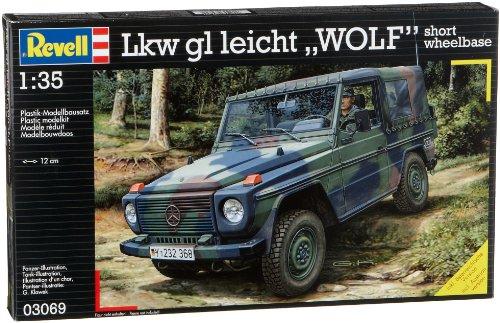 Revell Modellbausatz 03069 - LKW gl leicht Wolf kurzer Radstand im Maßstab 1:35