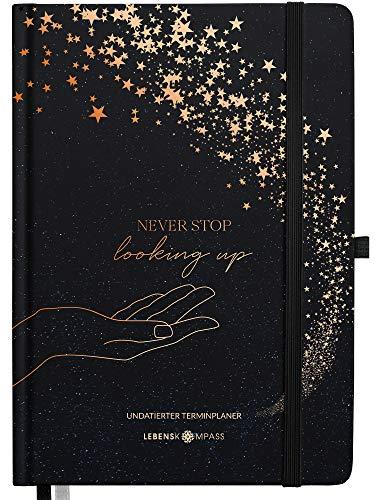 Lebenskompass® Terminplaner A5 Undatiert �STARGAZING� - Schöner Hardcover Kalender ohne Datum - Terminkalender mit Stifthalter, Froschtasche + Extras
