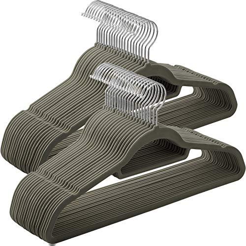 SONGMICS 50 Stück Kleiderbügel Samt, 0,6 cm dick, Anzugbügel Jackenbügel mit Rutschfester Oberfläche, mit Zwei Einkerbungen, 360°drehbarer Haken, Antirutsch, grau CRF50V