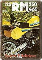 ヴィンテージルック複製金属看板、1981スズキRM 250ヴィンテージ金属ティンサインプラーク壁アートポスターカフェバーパブビール鉄塗装金属壁金属装飾