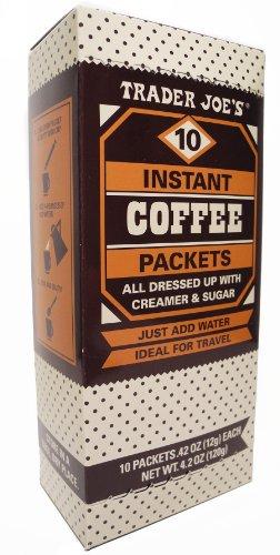 Trader Joe's Paquetes de café instantáneos todos vestidos con crema y azúcar hechos con 100% café arábica