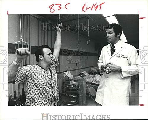 Historic Images - 1979 Press Photo Robert Mcclure, Baylor College of Medicine, Houston - hca10051