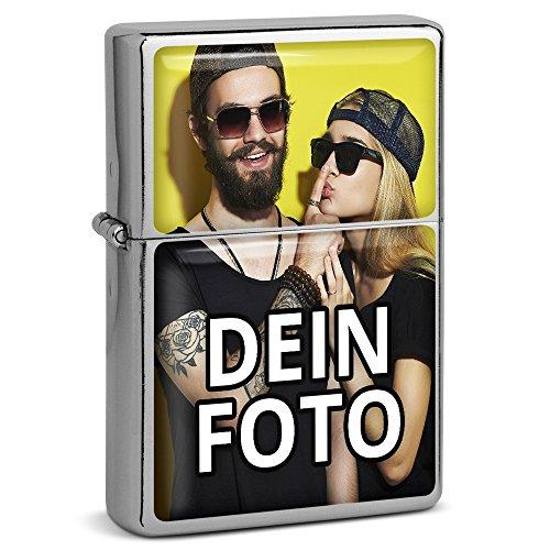PhotoFancy® - Sturmfeuerzeug Set mit eigenem Foto bedrucken lassen - Benzinfeuerzeug mit Doming-Druck inkl. Metall-Geschenkdose