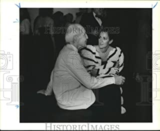 1987 Press Photo Eric Boissonnas & Laura Ellis chat at Menil event in Houston