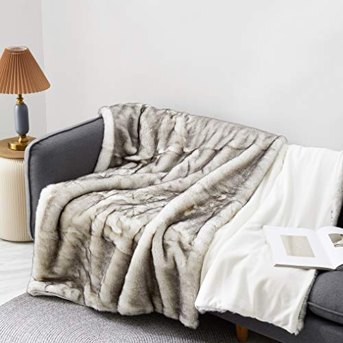 Eikei Luxury Faux Fur Throw Blanket Super Soft Oversized Thick Warm Afghan Reversible to Plush Velvet in Tan Grey Wolf, Cream Mink or Blush Chinchilla, Machine Washable (Tipped White, X-Long)