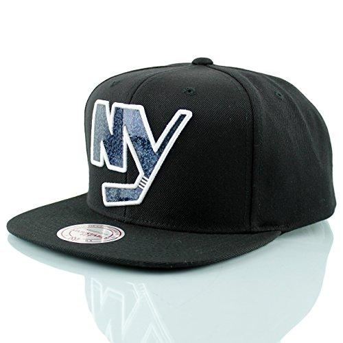 Mitchell & Ness New York Islanders Dark Hologram Snapback NHL Cap