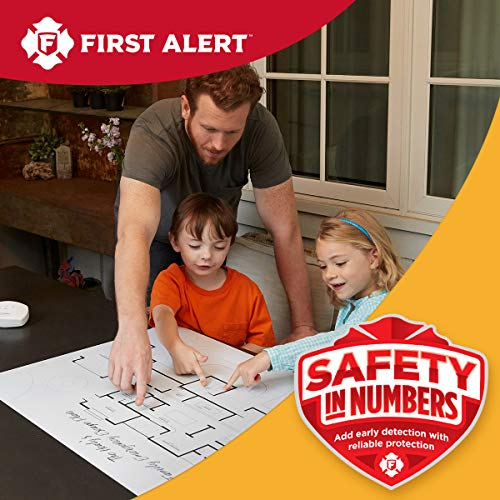 First Alert SCO5CN Battery Operated Smoke and Carbon Monoxide Detector 4-Pack with Home Fire Extinguisher