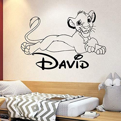 wZUN León Pared calcomanía Personalizado Nombre Personalizado león de Dibujos Animados jardín de Infantes Dormitorio decoración del hogar Pegatina de Vinilo 57X80 cm