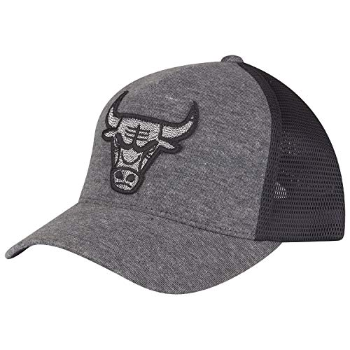 Mitchell & Ness 110 Snapback Cap - Trucker Chicago Bulls