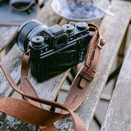 hecho. Kameragurt/Schultergurt (Dark Wood) - Handgefertigt, echtes Leder & Fair-Trade (Kompatibel mit DSLR, DSLM und Systemkameras von Sony, Canon, Pentax, Nikon, Olympus, Leica, Fujifilm UVM.)