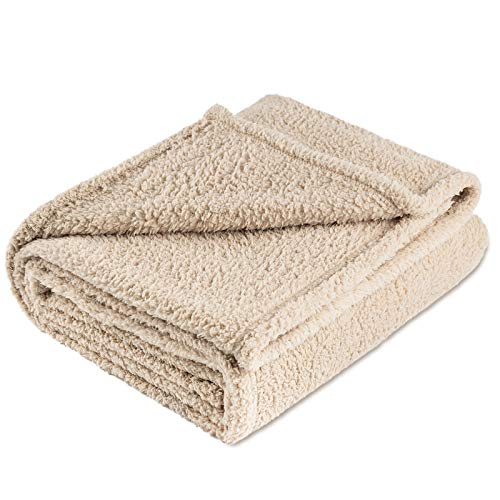 """MOONIGHT TIME Fluffy Fleece Dog Blanket Large, Sherpa Fleece Throw Dog Blanket,Pet Throw Blanket Durable Reversible Washable for Dogs and Cats Size L(4047""""), Beige"""