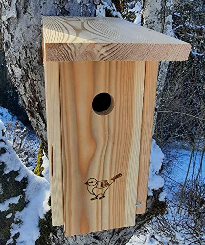 Nistkasten (N32) Vogelhaus für Spatzen, Kohlmeisen und Co. - aus extrem witterungsbeständigen 18mm starkem bayrischem Lerchenholz mit 32mm Einflugloch
